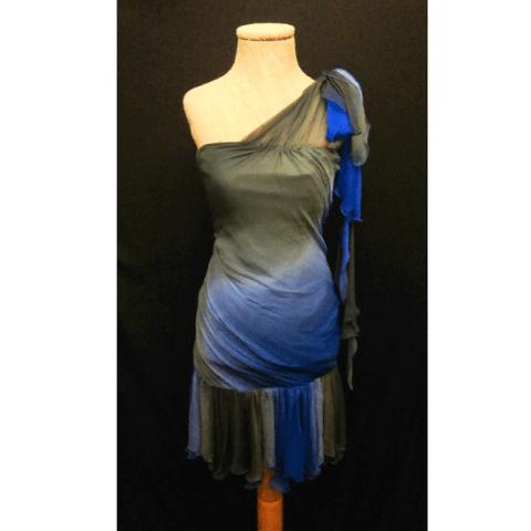 Vestido azul y gris de gasa
