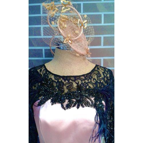 vestido negro y rosa entallado