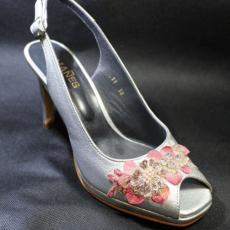 zapato plata con adorno pedreria (1)