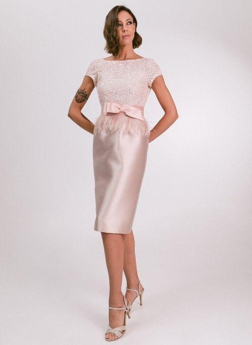 vestido fiesta pedreria y plumas rosa nude modelo estefania pilukafashion