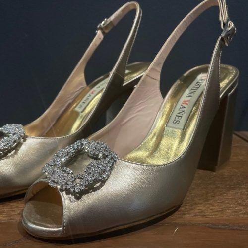 zapatos dorado con hebilla plata coleccion pilukafashion 1