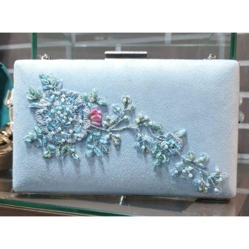 bolso fiesta azul cielo con plata
